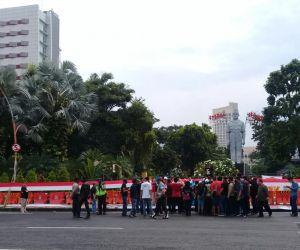 Aksi Penolakan Rizieq dan FPI di Surabaya Diwarnai Adu Jotos