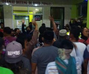 Ratusan Wargan Di Kabupaten Probolinggo Paksa Bawa Pulang Pasien Reaktif Covid-19
